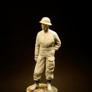 widok figurki z przodu