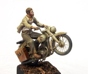 figurka żywiczna motocyklisty - gotowy model