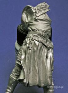 figurka rycerza z różańcem
