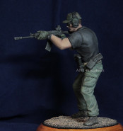 IPSC shooter